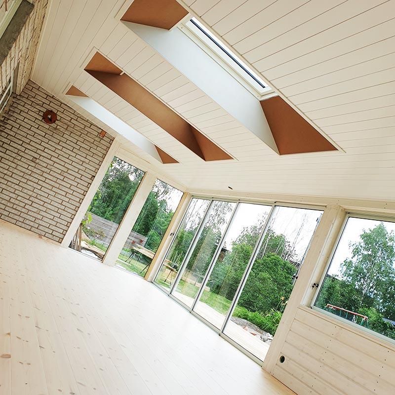 Nybyggnation av uterum med takfönster